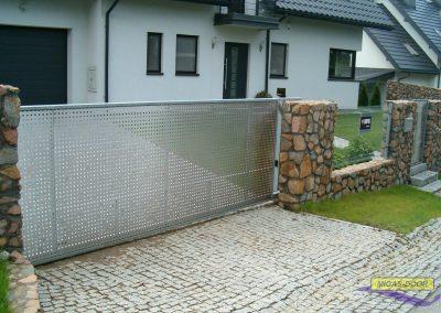 , Sliding fence gates