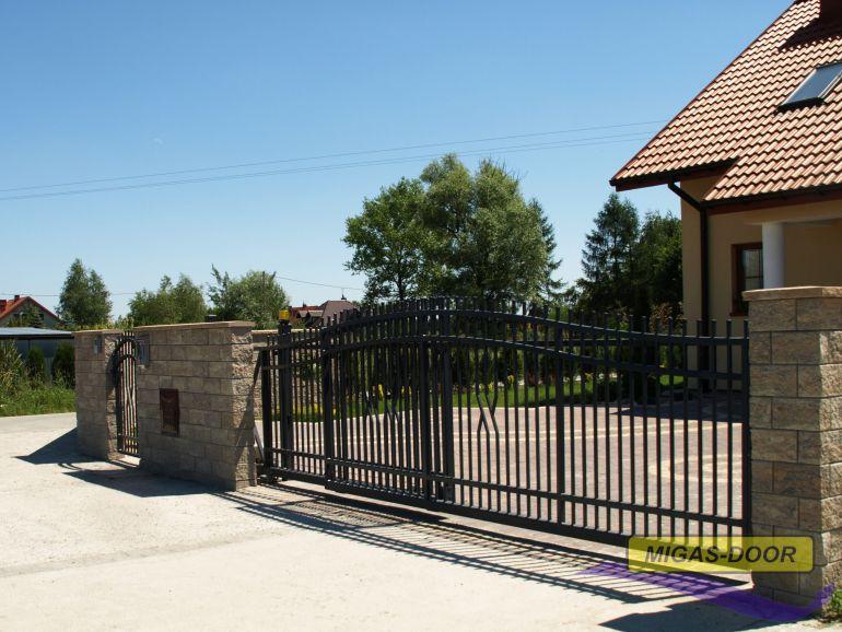 Fundament pod bramę przesuwną – przydatne wskazówki