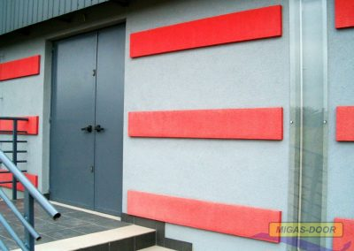 , Doors made of smooth sheet metal