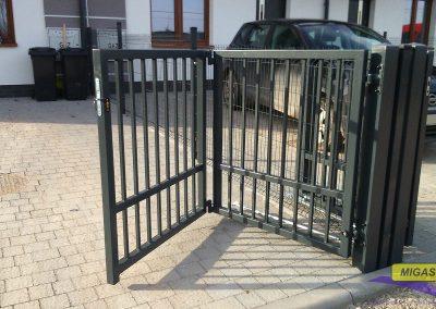 brama posesyjna harmonijkowa