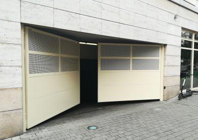 Brama dwuskrzydłowa do garażu podziemnego